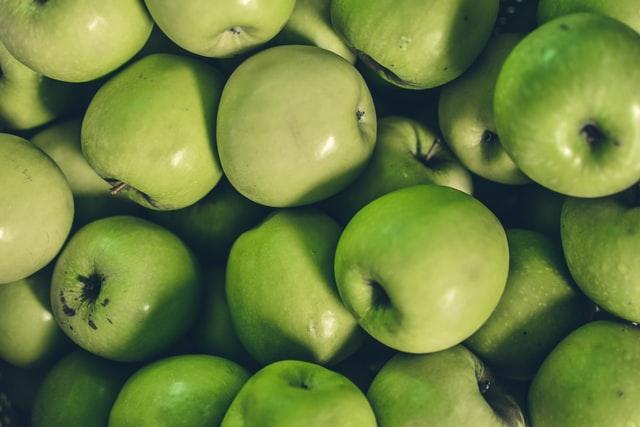 كم سعرة حرارية في التفاح الأخضر