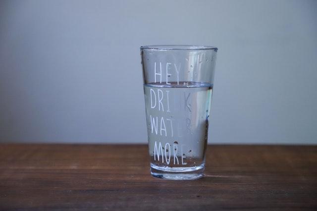 ما الاضرار الناتجه عن نقص شرب الماء
